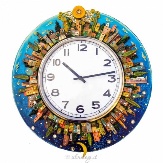cornice per orologio su commissione titolo l'ora delle città colorate
