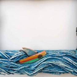 cornice isole di sasso e barchetta 26x 21×4 dett mare